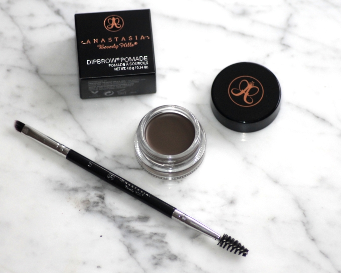 Anastasia Beverly Hills' Dip Brow Pomade in 'Dark Brown' - Review