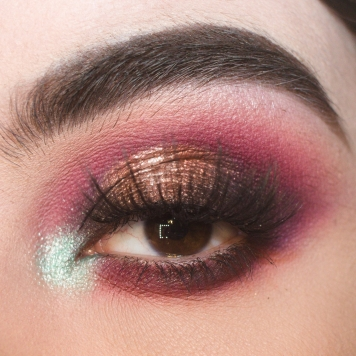 Look 2 using the Daisy Marquez palette
