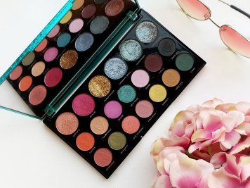 Makeup Revolution x Carmi MUA - Make Magic Palette Inside