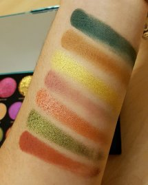 Makeup Revolution x Carmi MUA - Make Magic Palette Swatches
