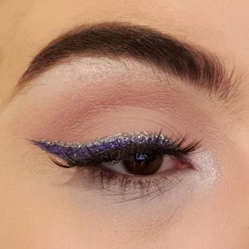 Mini Controversy Eyelook