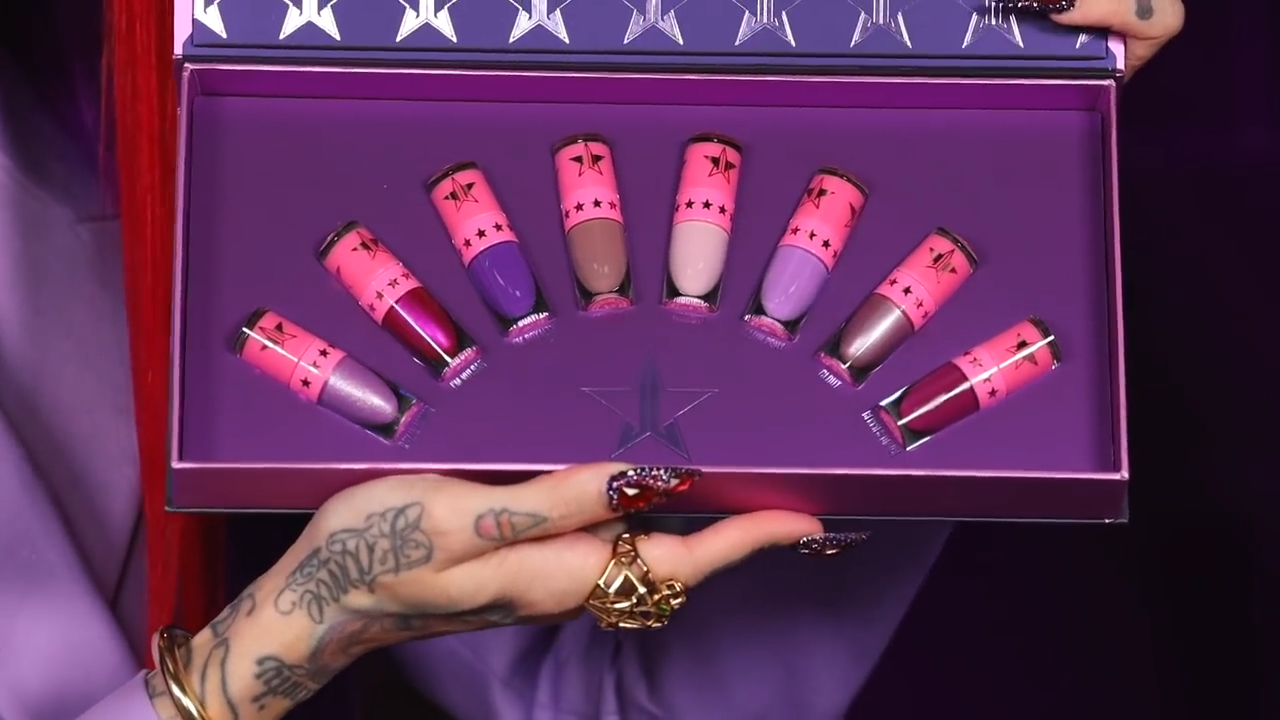 Queen Bitch Mini Velour Lipsticks Set - Jeffree Star unveils JSC's Blood Lust Collection and Palette