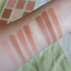 Pixi by Petra's Escape & Let's GLOW! Collection - Summer Glow Palette Sheer Sunshine (Swatches)