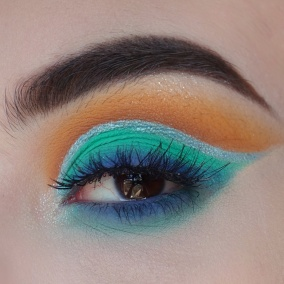nikkie_tutorials_beautybay_palette_review_swatches_eyelook_inspo