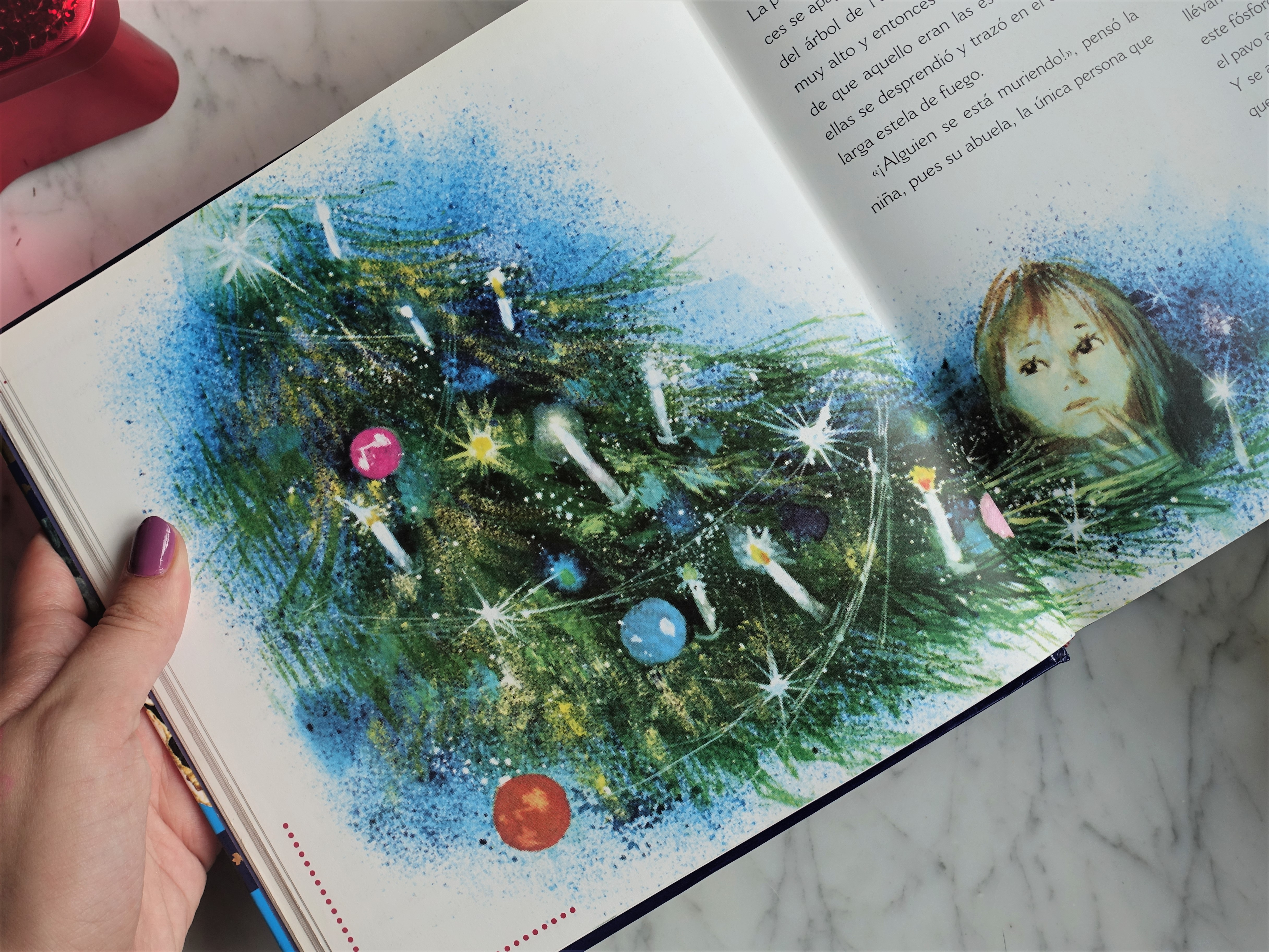 Blogmas Day 3: Favorite Christmas Book