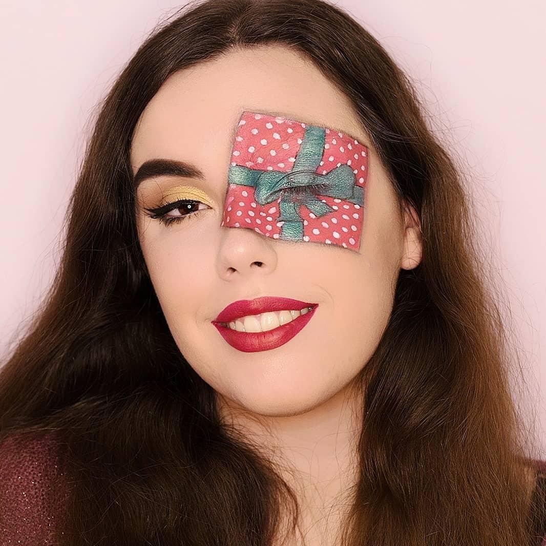 Blogmas Day 10: Christmas Inspired Makeup / Día 10: Maquillaje de Navidad
